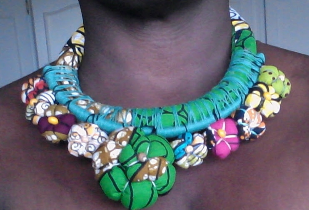 COLLIER MULTICOULEURS